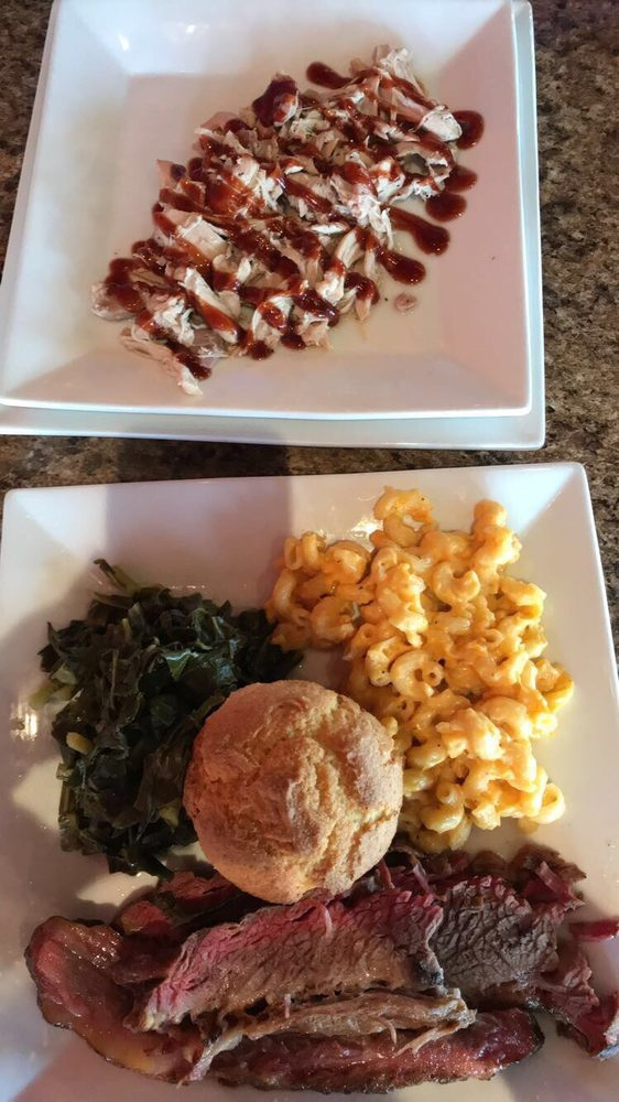 Red Coal BBQ: 2839 Mall Drive, Eau Claire, WI