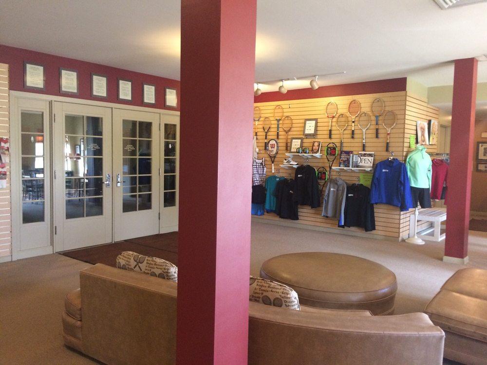 Alpine Tennis & Fitness: 1090 Cedar Cross Rd, Dubuque, IA