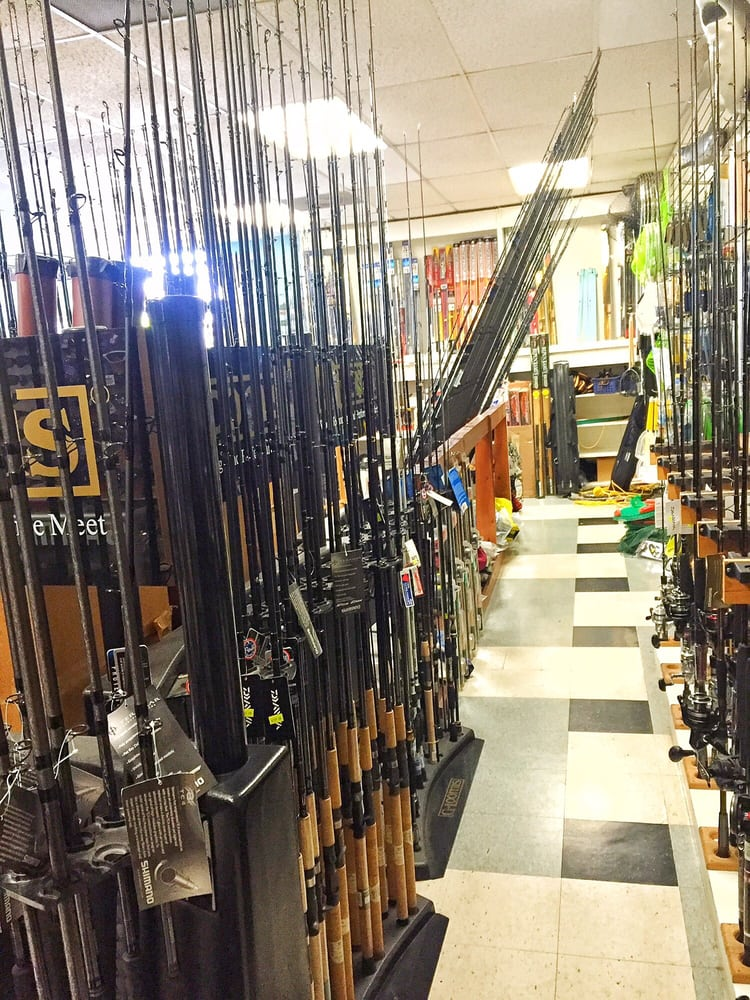 Richard's Fishing Tackle: 3365 Walnut Grove Ave, Rosemead, CA