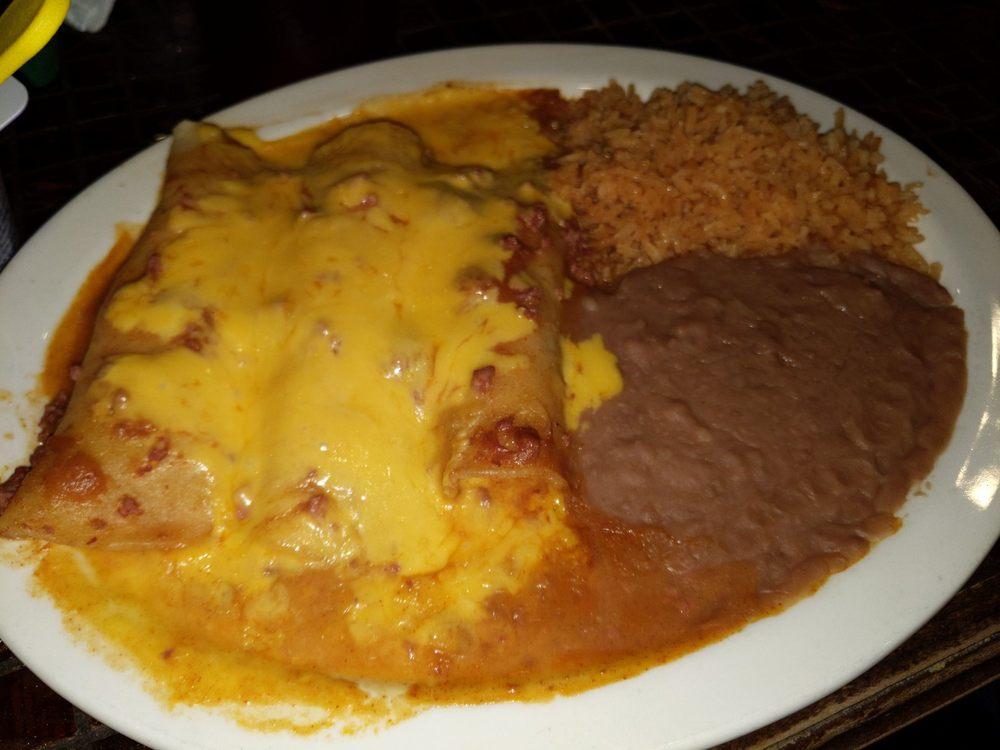 Alameda Restaurant: 106 W Edinburg Ave, Elsa, TX