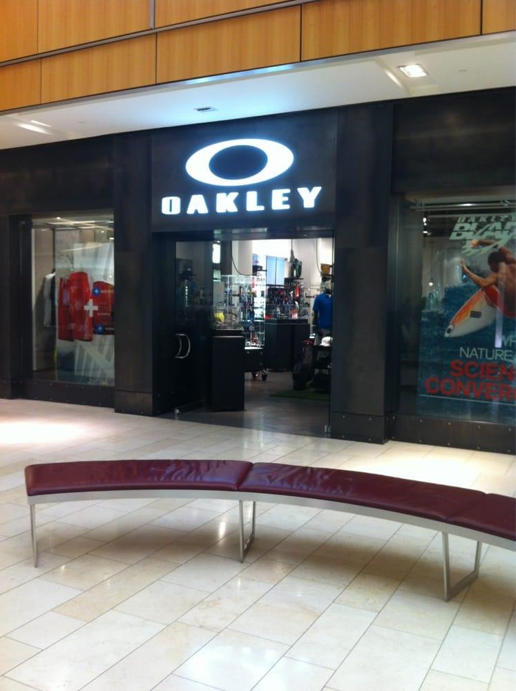 oakley dealers texas