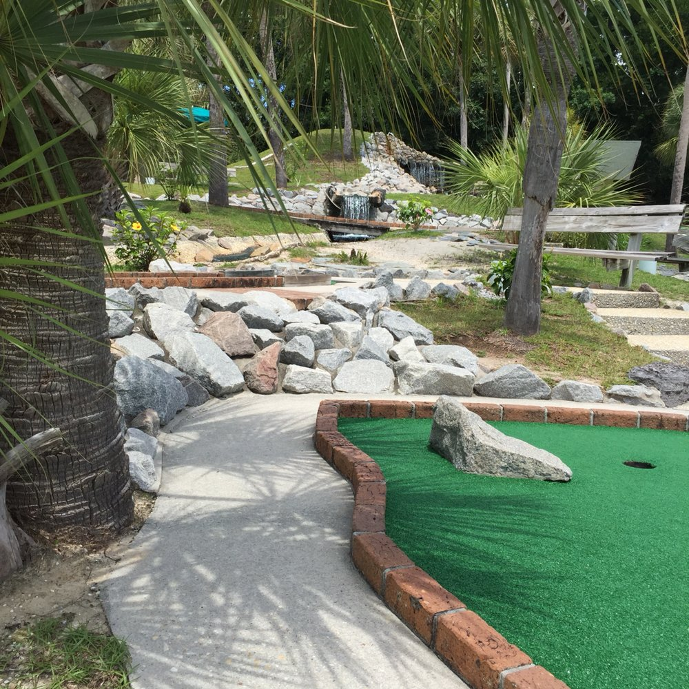 Tropical Adventure Mini Golf: 10124 Beach Dr SW, Calabash, NC