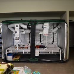 photo of bloom garden supply milwaukie or united states 4x8 tent setup - Bloom Garden Supply