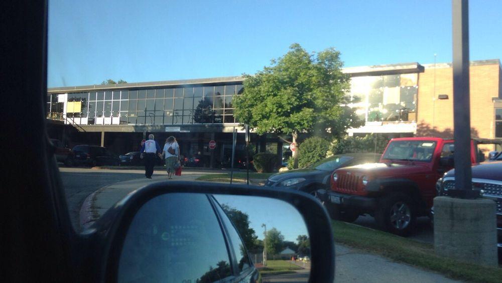 Washington High School: 2205 Forest Dr SE, Cedar Rapids, IA