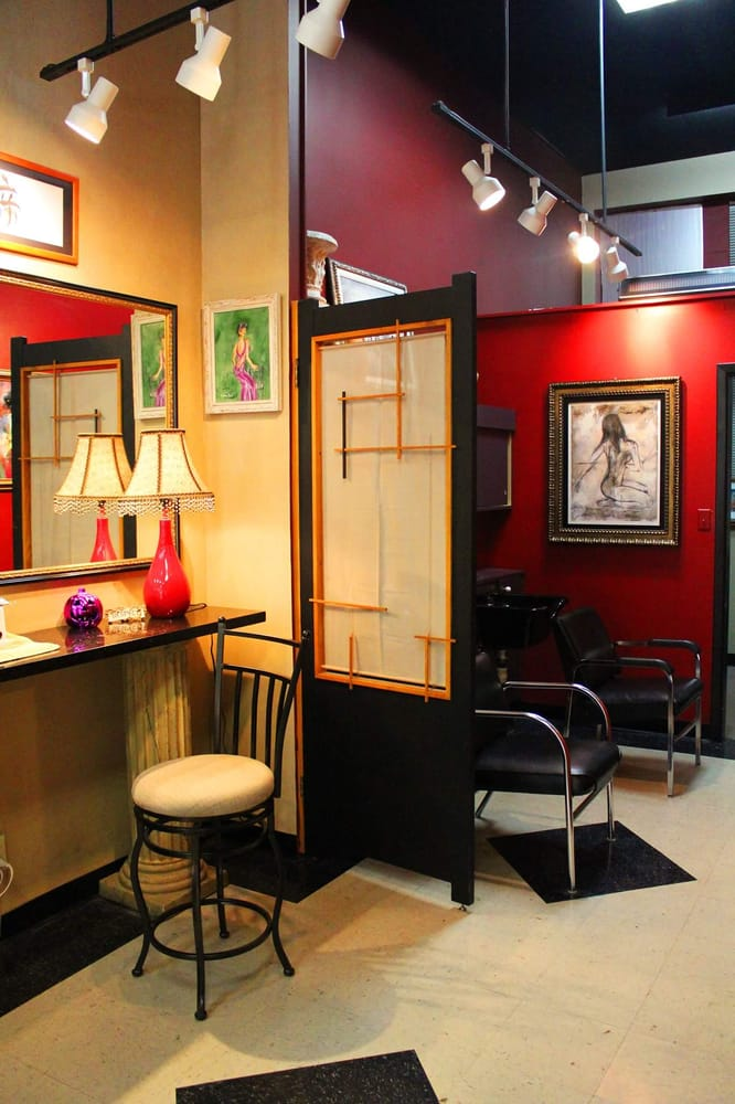 Avanti hair salon nagelstudio 332 w 4th st downtown for 4th street salon