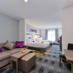 Holiday Inn Express & Suites San Diego - Hotel Circle - 90 Photos ...