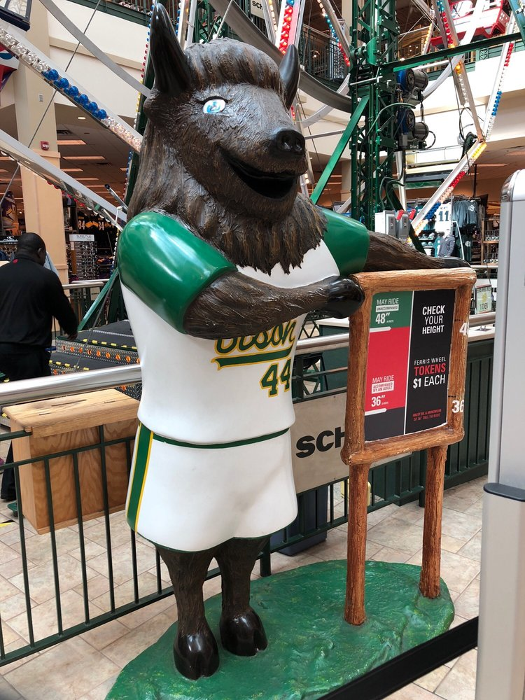 Scheels: 1551 45th St S, Fargo, ND