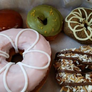 donut bar 837 photos amp 200 reviews donuts downtown
