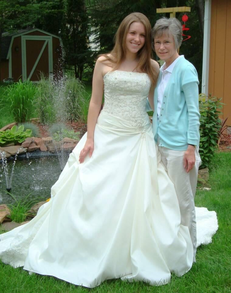Personalized Alterations  & Custom Creations: 2421 Park Rd, Kronenwetter, WI