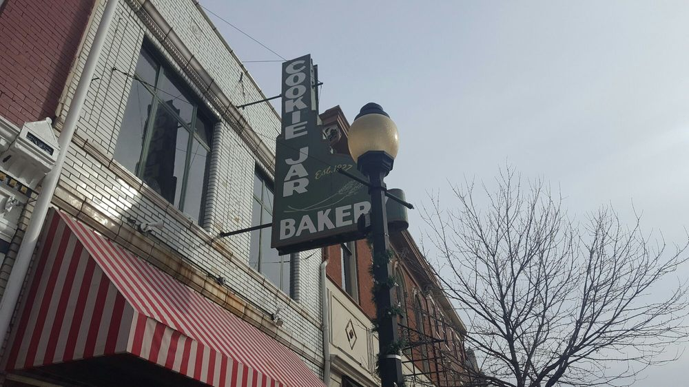 Cookie Jar Bakery: 919 Monmouth St, Newport, KY