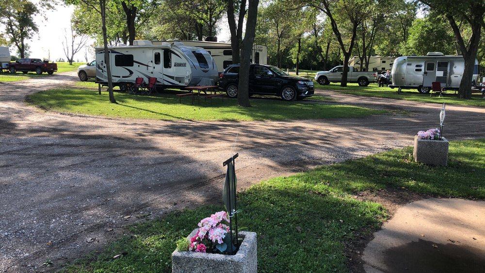 Jamestown Campground: 3605 80th Ave SE, Jamestown, ND