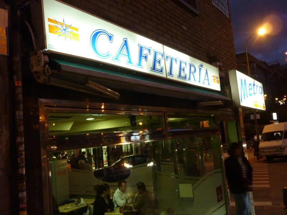 metro coffee shop calle de higueras 47 latina madrid spanien yelp. Black Bedroom Furniture Sets. Home Design Ideas