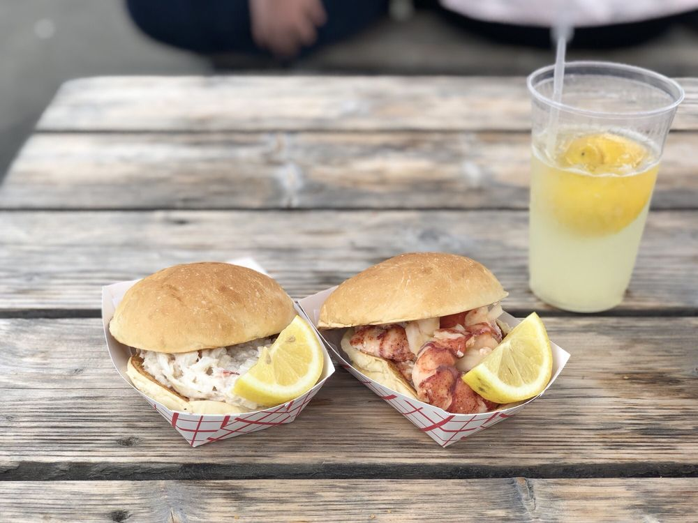 The Clam Shack: 2 Western Ave, Kennebunk, ME