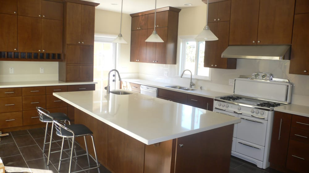 Kitchen remodel custom maple cabinets ceasar stone for Kitchen cabinets 90045