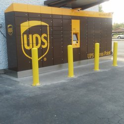 Photo Of The Floor Trader   Tacoma, WA, United States. UPS PICK UP