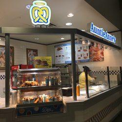 Auntie Anne S Soft Pretzels Dfw Airport Pretzels