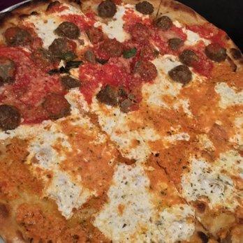 Grimaldi S Pizzeria 129 Photos 285 Reviews Pizza 980 Franklin Ave Garden City Ny