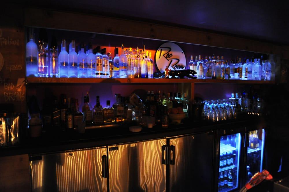 Rec Room - CLOSED - 25 Photos & 63 Reviews - Lounges - 1690 Collins ...