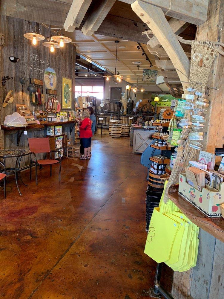 Trio Community Market: 5081 NC-90 E, Hiddenite, NC