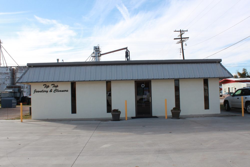 Tip Top Cleaners & Jewelry: 103 W Nevada St, Seymour, TX