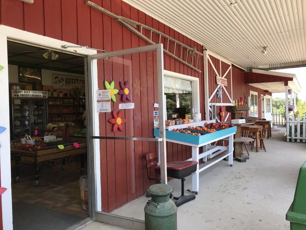 King Orchards: 986 US Hwy 31 S, Kewadin, MI