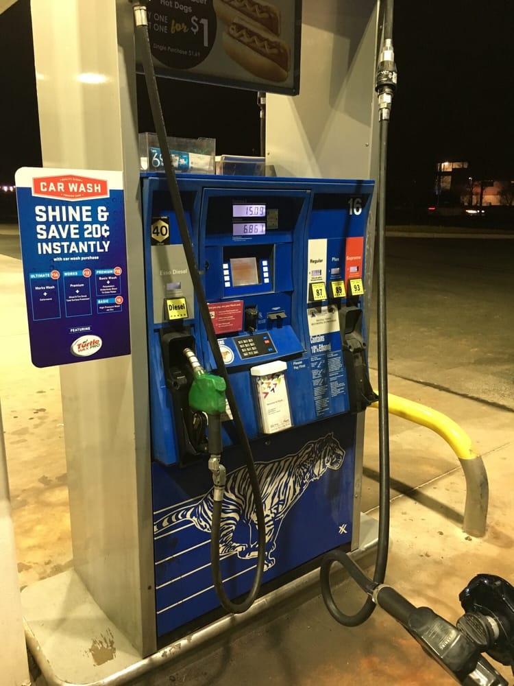 Exxon: 22405 Flaggstaff Plz, Ashburn, VA