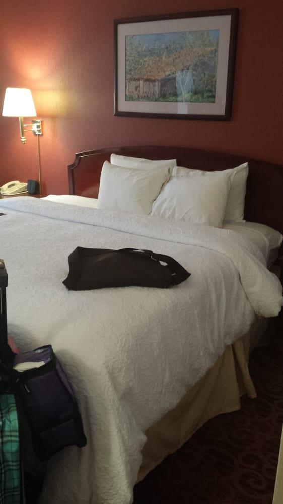 Hampton Inn & Suites Bethlehem: 200 Gateway Dr, Bethlehem, PA