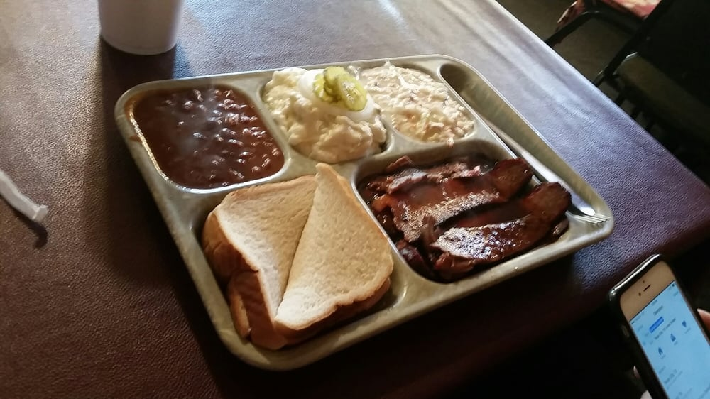 Coleman BBQ: 604 N Martin Luther King Dr, Clarksville, TX
