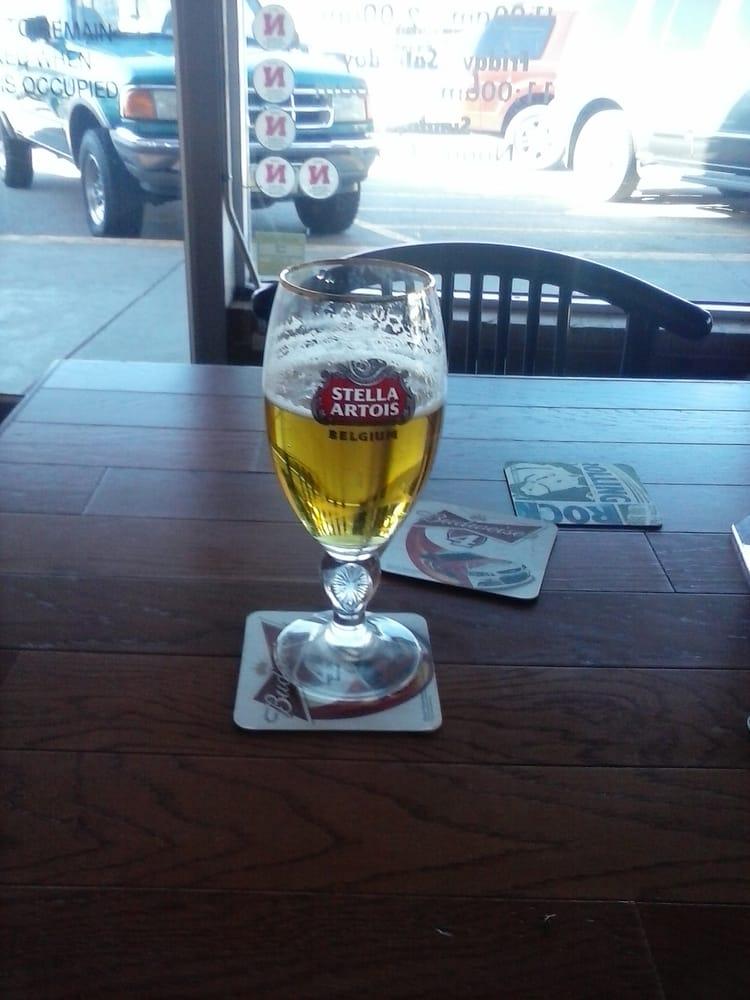 One More Bar: 836 N 70th St, Lincoln, NE