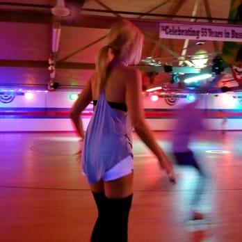 fleetwood roller rink 25 photos 34 reviews skating. Black Bedroom Furniture Sets. Home Design Ideas