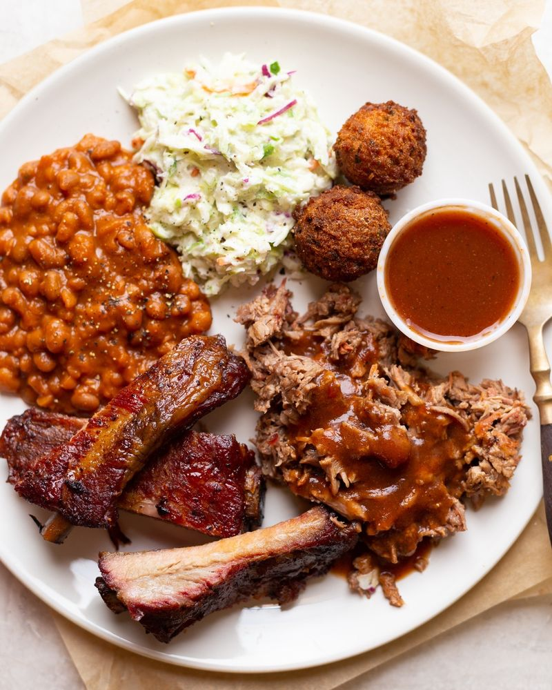 Bowie Barbeque: 333 Magee Dr, Brookhaven, MS