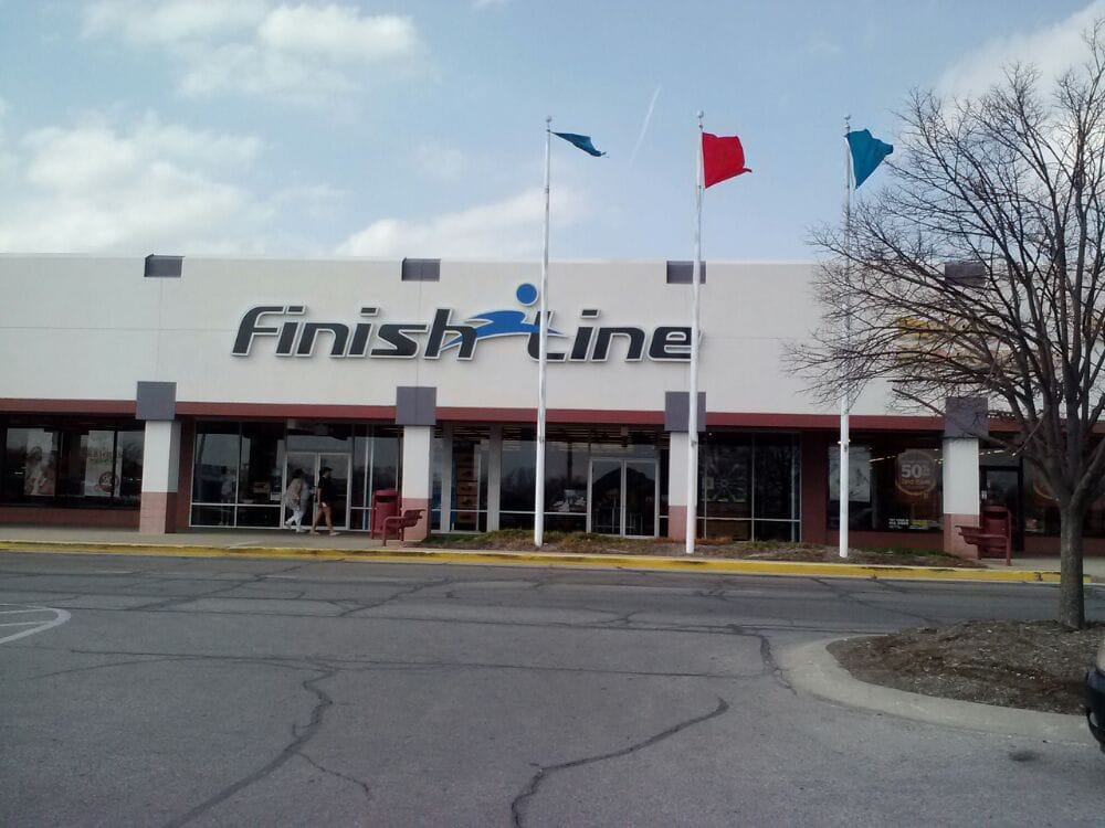 Finish Line: 5850 Crawfordsville Rd, Indianapolis, IN