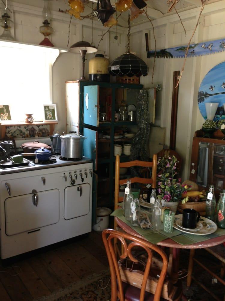 Mattson's House Of Decor: 6472 Paw Paw Ave, Coloma, MI