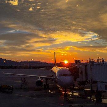 'Photo of McCarran International Airport - Las Vegas, NV, United States. Sunrise floght' from the web at 'https://s3-media1.fl.yelpcdn.com/bphoto/Cq9liNyCtmz2OwbhD1exJA/348s.jpg'