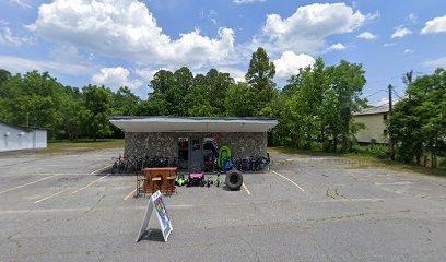 Dinks: 1903 Norwood St SW, Lenoir, NC
