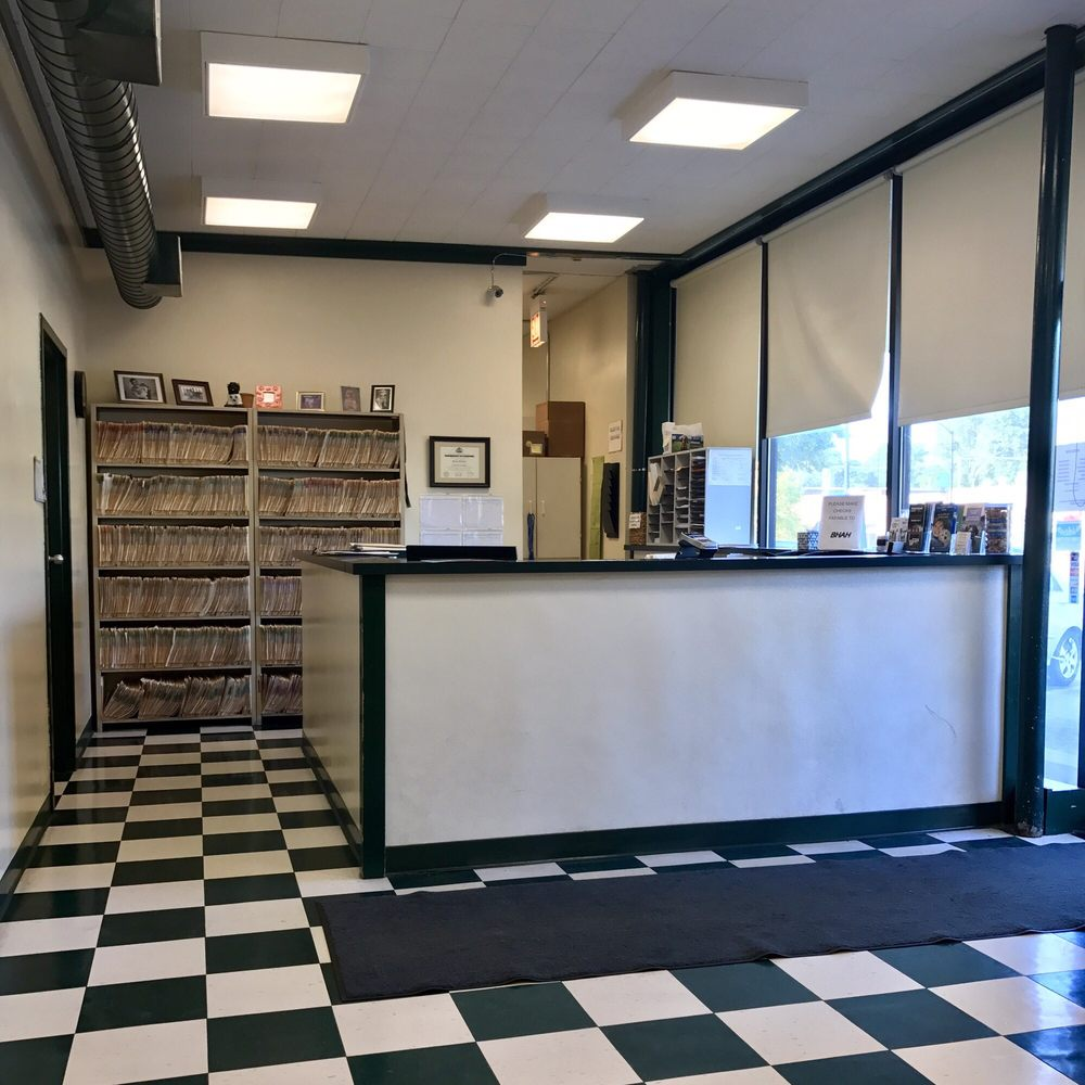 Beverly Hills Animal Hospital: 10359 S Western Ave, Chicago, IL