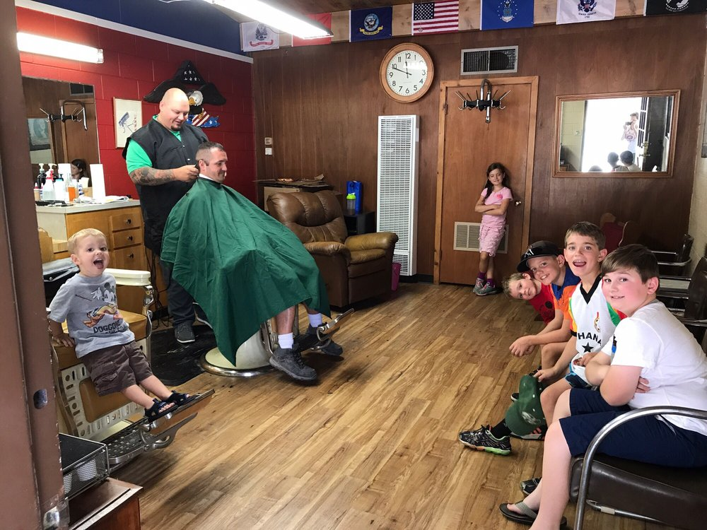 Meadow Vista Barber Shop: 991 Meadow Gate Rd, Meadow Vista, CA