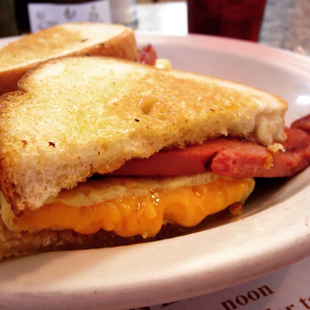 Rolly's Diner: 87 Mill St, Auburn, ME
