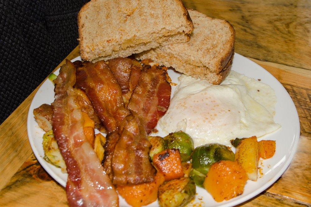 Stacie's Corner Cafe: 813 Dalton Division Rd, Dalton, MA