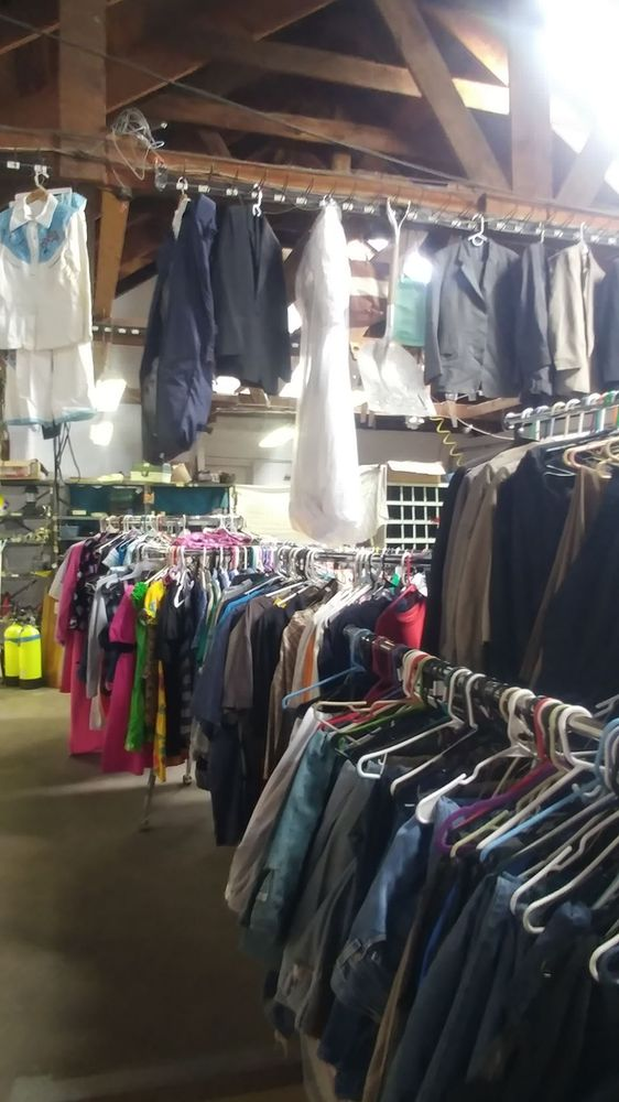 Mikesell Treasures: 92283 Hwy 70, Chilcoot-Vinton, CA