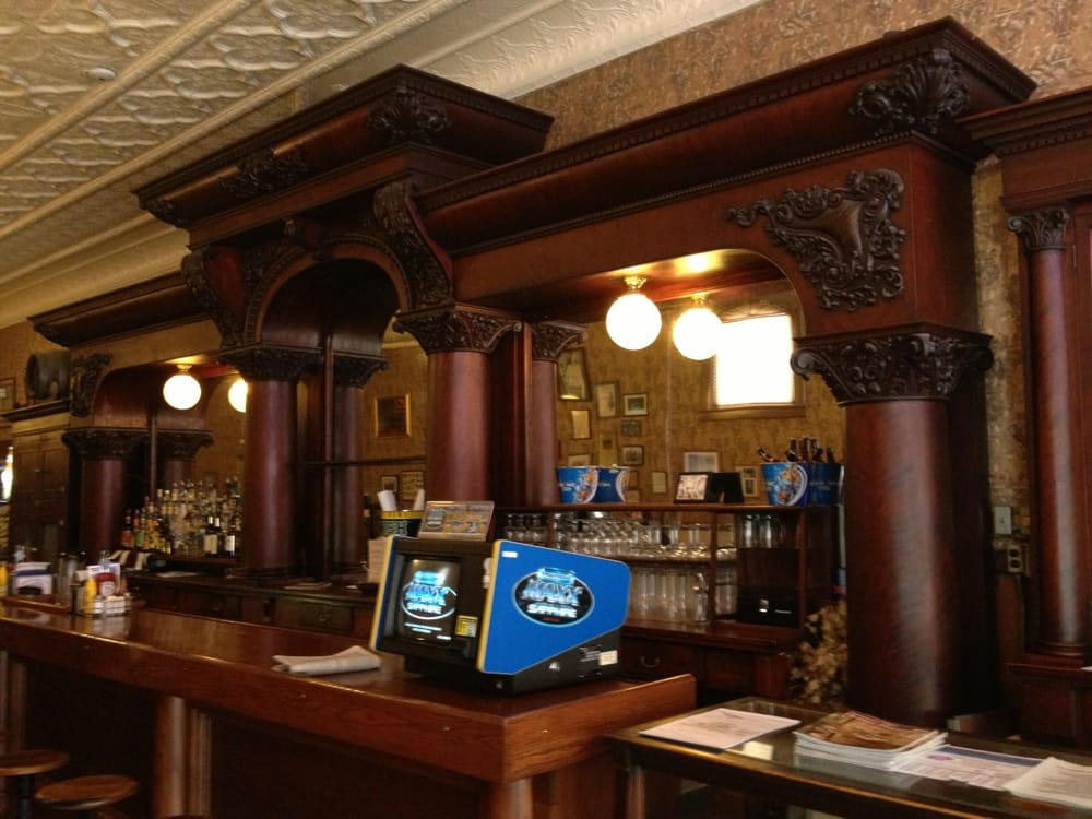 Kissner's: 524 Clinton St, Defiance, OH