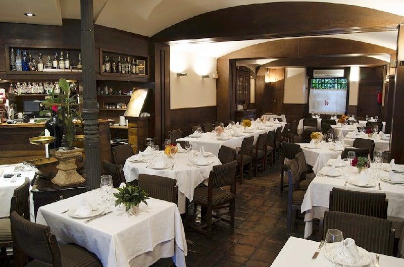 Casa juli n de tolosa steak house calle cava baja 18 for Noleggio cabina julian dal proprietario