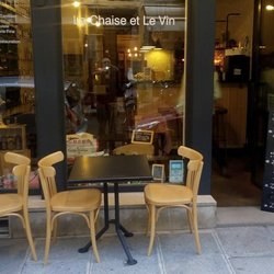 La chaise et le vin wine bars 7 rue de birague for A la petite chaise paris