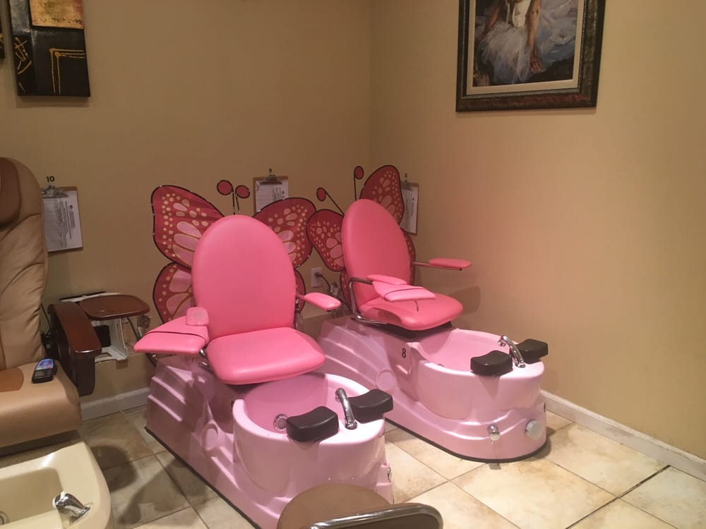 Pedicure chairs for little girls. So cute! - Yelp