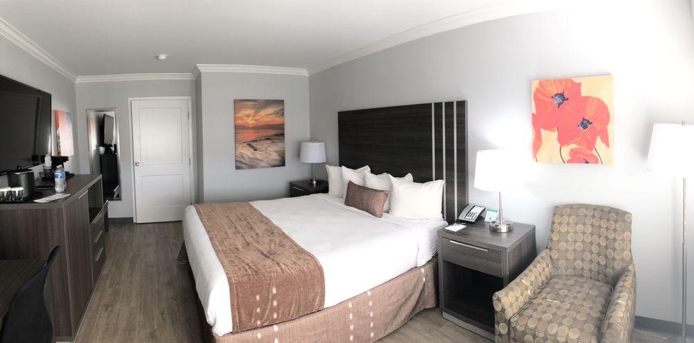 Palm Garden Hotel - Thousand Oaks