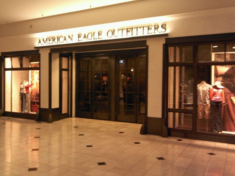 American Eagle Outfitters - STu00c4NGT - Idrottsklu00e4der - 1006 Brea Mall Brea CA USA ...