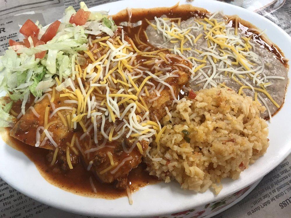Elida's Cafe: 801 Railroad Ave, Springer, NM