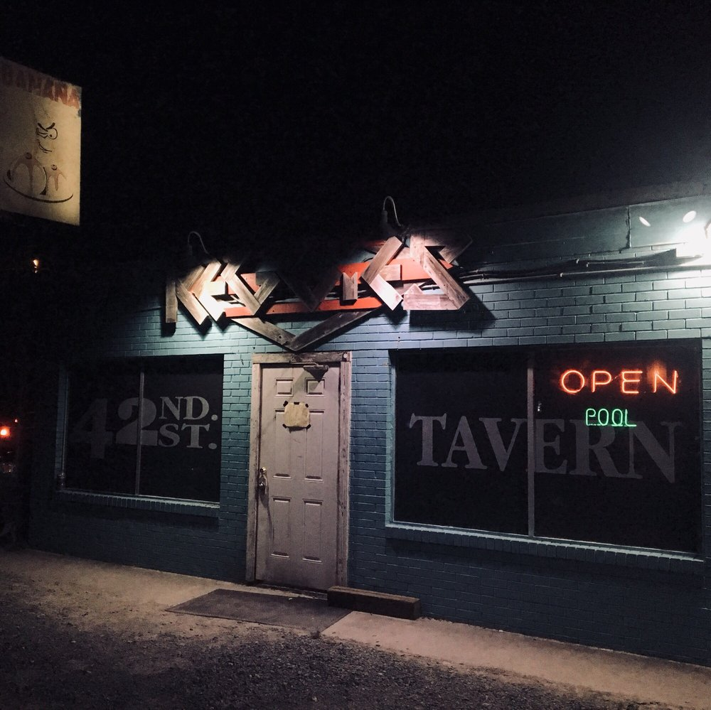 Reggie's 42nd Street Tavern