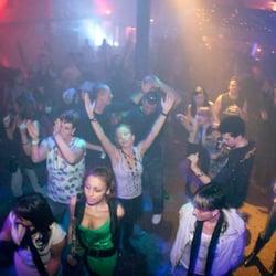 Dance dates mannheim Jungfrau mann flirten – Berlin flirten bars