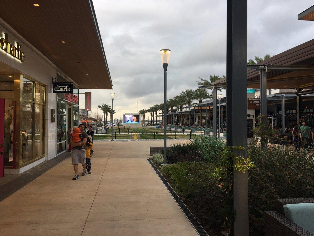 Baybrook Mall: 500 Baybrook Mall, Friendswood, TX